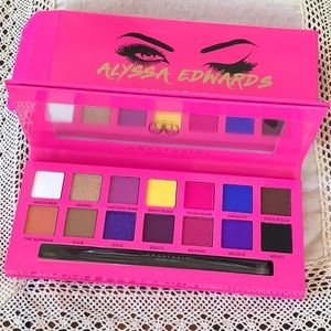 Anastasia Beverly Hills Alyssa Edwards eyeshadow
